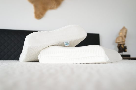 oreiller-ergo-cloud-cervical-ergonomique-en-memoire-de-forme